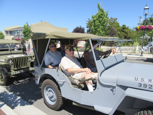 Veterans Lead off annual Edmonds Kind of 4th Parade!
