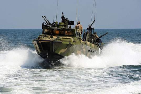 NL0316_boat-captured