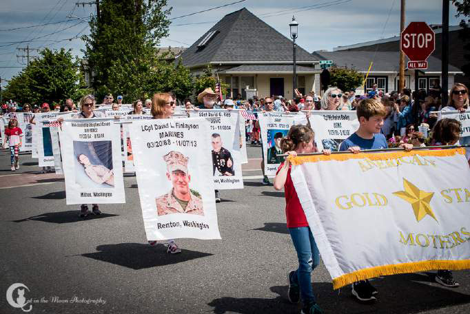 "Post Members Particpate in the 111th ""Edmonds Kind of 4th"" Parade American Gold Star Mothers"