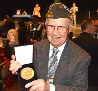 Amos Chapman Awarded Medal for Phillipine Service in WWII